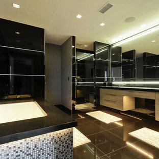 Trendy bathroom photo in Austin