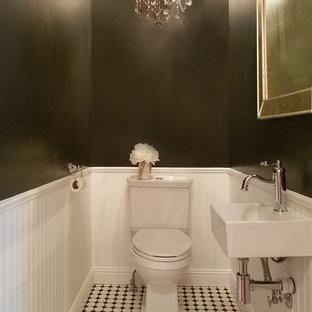 Ispirazione per una piccola stanza da bagno con doccia con WC monopezzo, piastrelle bianche, pareti nere, pavimento con piastrelle in ceramica, lavabo sospeso e pavimento bianco