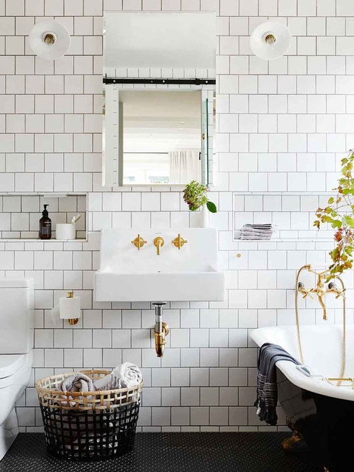 Design Ideas For A Traditional 3/4 Bathroom In Melbourne With A Claw Foot
