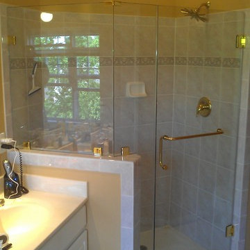 Frameless Shower with Knee Wall