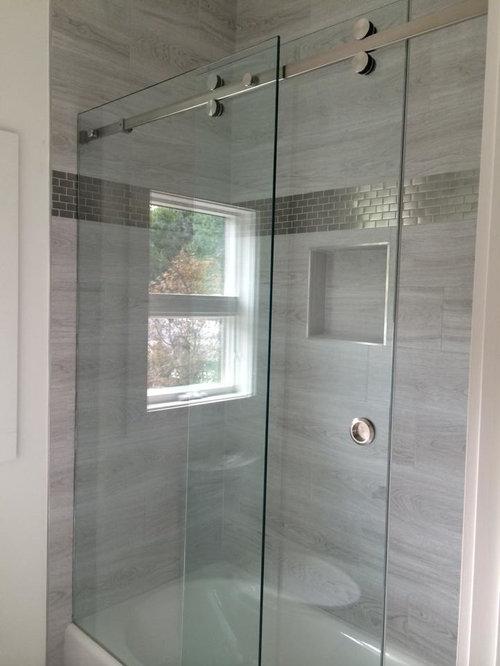 Salle de bain moderne avec carrelage en m tal photos et id es d co de salles de bain for Photo carrelage salle de bain moderne