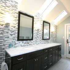 Modern Bathroom by Robert Nehrebecky AIA, Re:New Architecture