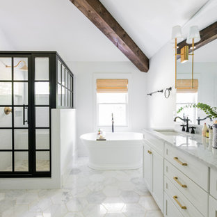 Design ideas for an arts and crafts bathroom in Nashville.