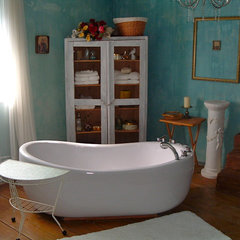 bathroom by Cozy Casita