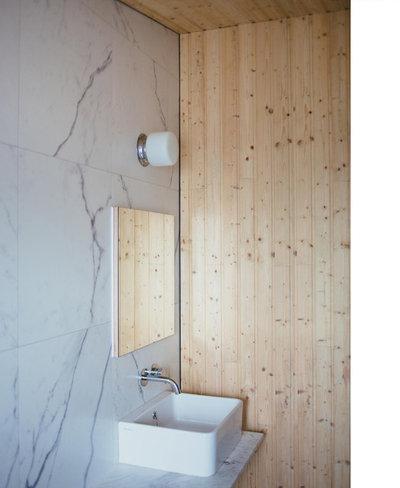 Eclectic Bathroom by Studio106