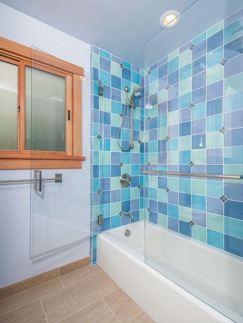 Periwinkle wall houzz for Periwinkle bathroom ideas