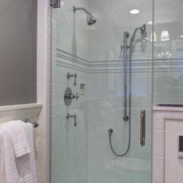 French/Cottage Bathroom