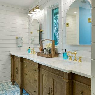 Landhausstil Badezimmer mit blauen Fliesen Ideen, Design ...