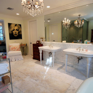 Example of a classic bathroom design in Los Angeles with a console sink