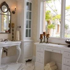Bathroom by Richard Salpietra Architect, Inc.