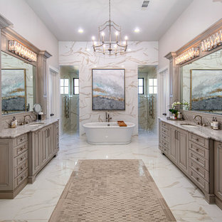 Foto di un'ampia stanza da bagno padronale tradizionale con consolle stile comò, ante beige, doccia doppia, piastrelle beige, pareti beige, pavimento in cementine, lavabo sottopiano, top in quarzo composito, pavimento bianco e top bianco