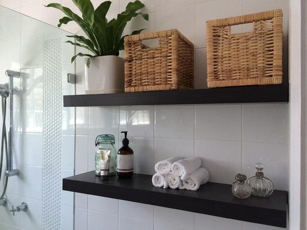 10 astuces gain de place pour une salle de bains fonctionnelle - Astuce rangement produit salle de bain ...