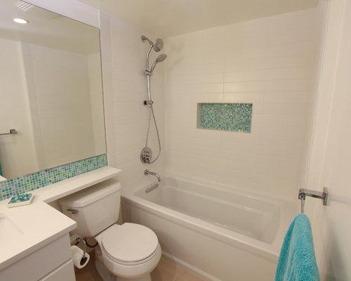 Salle de bain rétro avec des carreaux de porcelaine : Photos et ...