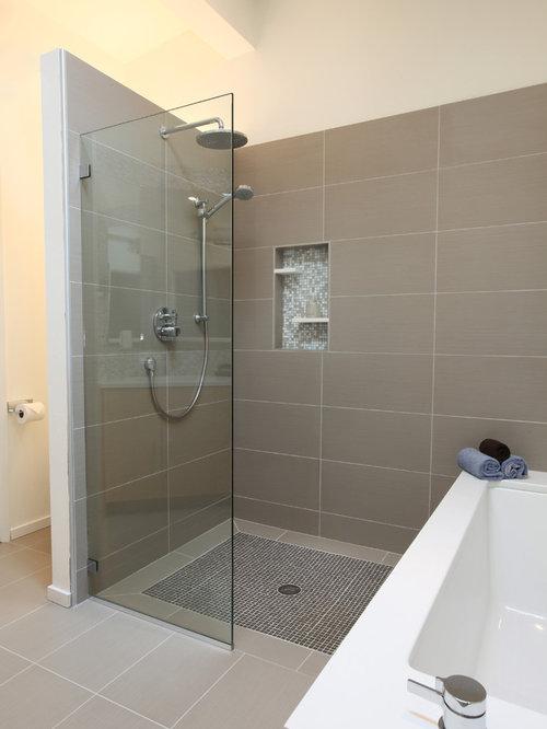 4x7 bathroom design ideas renovations photos for Mid century bathroom ideas