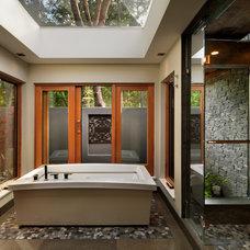 Contemporary Bathroom by Hemsworth Master Builders Inc.