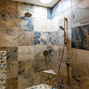 Minimalist bathroom photo in St Louis