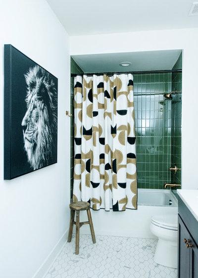 Неоклассика Ванная комната by Bishop Design