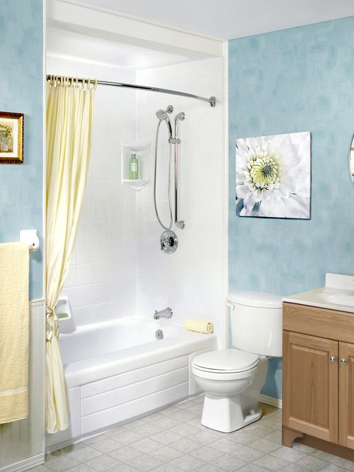 Houzz mid sized traditional bathroom design ideas for Mid size bathroom ideas
