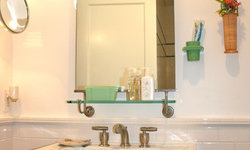 Fun vintage guest bath