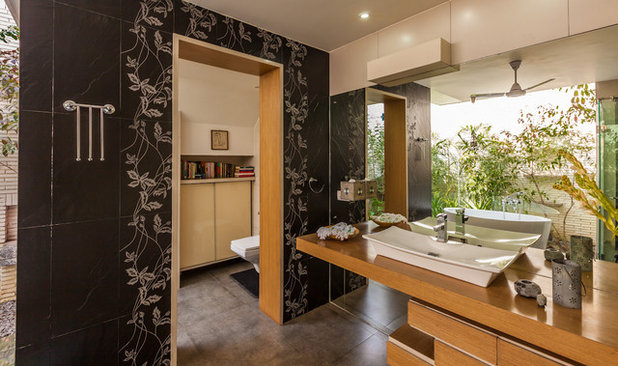 Contemporaneo Stanza da Bagno by Kumar Moorthy & Associates