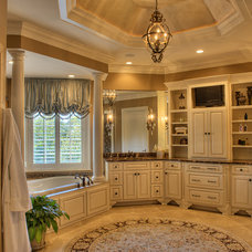 Traditional Bathroom by Gabriel Builders Inc.