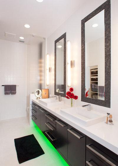 Contemporáneo Cuarto de baño by Busby Cabinets