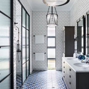 Inspiration for a traditional bathroom in Sydney.
