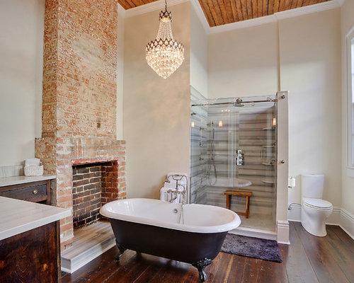 Idee e foto di stanze da bagno old bricks over clad with larch
