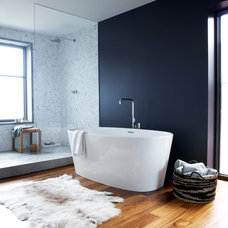 Contemporary Bathroom by Hudson Architecture