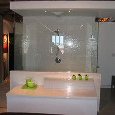 Contemporary Bathroom by Kelly Arthur