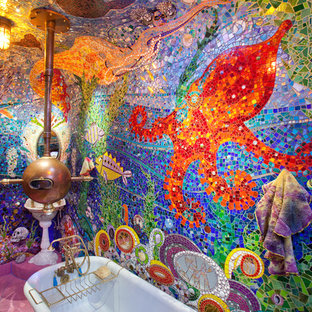 На фото: ванные комнаты в стиле фьюжн с плиткой мозаикой, разноцветной плиткой и розовым полом