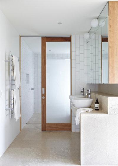 コンテンポラリー 浴室 by Austral Masonry
