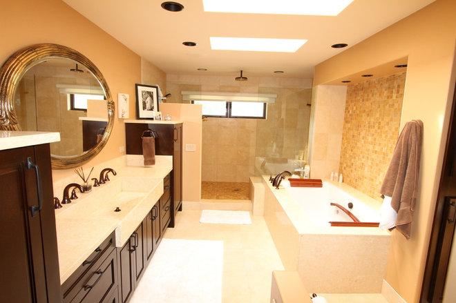 Bathroom by Archipelago Hawaii Luxury Home Designs