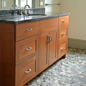 Genny & Fred Bathroom