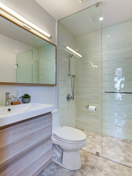 4 497 small ensuite bathroom design ideas remodel for Small bathroom design houzz