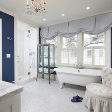 Traditional Bathroom by Streeter & Associates, Inc.