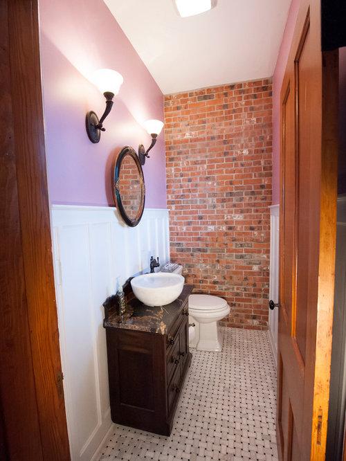 Foto e idee per bagni in montagna con pareti viola for Piastrelle bagno in rilievo