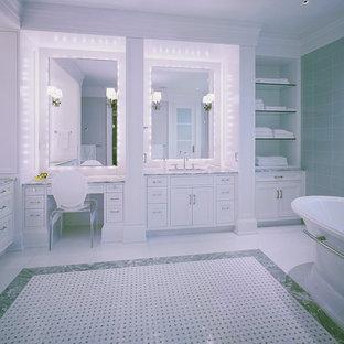 Foto di una stanza da bagno mediterranea