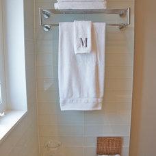 Traditional Bathroom by Urban Ideas Inc.