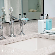 Traditional Bathroom by INVIEW Interior Design