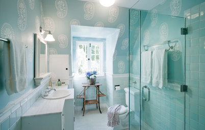 Can You Use Wallpaper in a Bathroom?