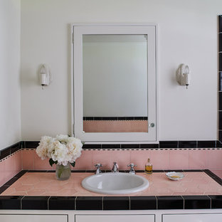 Girl's Bathroom - Vanity