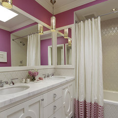 bathroom by Artistic Designs for Living, Tineke Triggs
