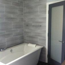 Modern Bathroom by PREFERRED HOME BUILDERS INC