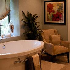 Eclectic Bathroom by Adentro Designs