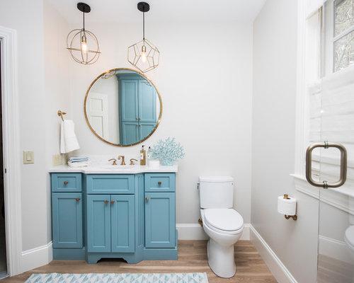 salle de bain avec un placard en trompe l 39 oeil et un sol en vinyl photos et id es d co de. Black Bedroom Furniture Sets. Home Design Ideas