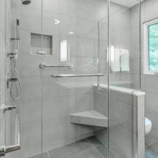 Modern Bathroom by Bright Ideas by Martinec