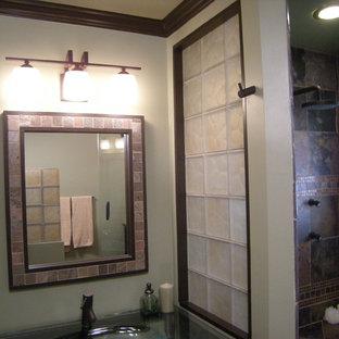 Trendy bathroom photo in Cleveland