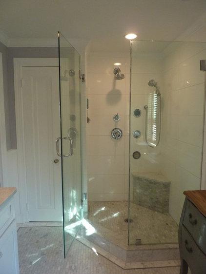 Traditional Bathroom by Custom Contracting, Inc.