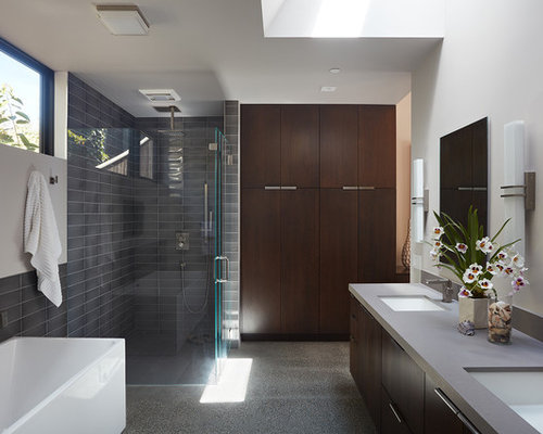 Example Of A Minimalist Bathroom Design In San Francisco